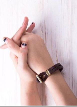 Кожаный браслет бренда luy