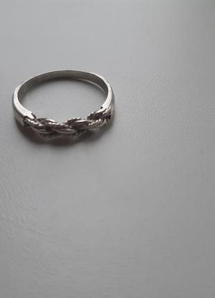 Серебряное кольцо жгут