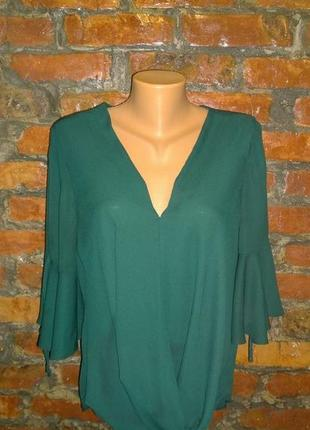Романтичная свободная блуза на запах с объемными рукавами new look