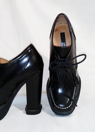 Нереальные ботинки лоферы на каблуке3 фото