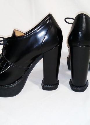 Нереальные ботинки лоферы на каблуке8 фото