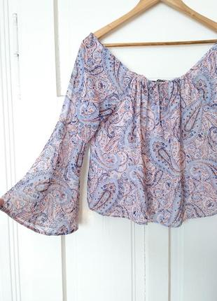 Актуальна шифонова вкорочена блуза з рукавами-кльош від new look, на р. м