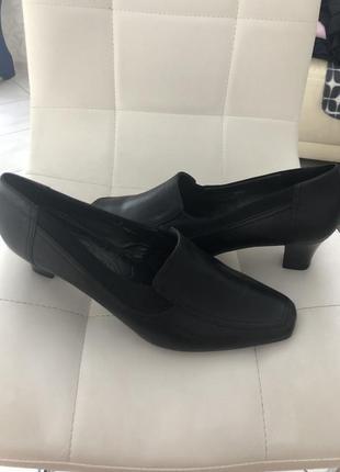 Стильные кожанные туфли р 42