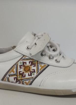 B&g фирменные кожаные туфли,кроссовки с супинатором для девочки