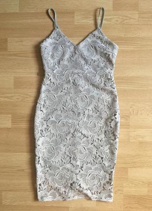 Мереживна сукня-футляр