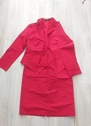 Красный костюм s. oliver