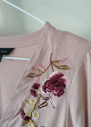 Пудровая блуза рубашка с вышивкой бренд