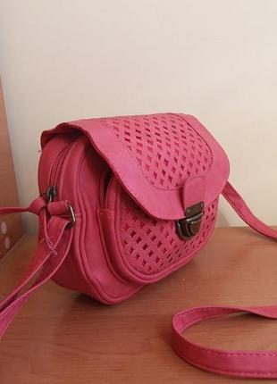 Новая сумочка-кроссбоди от new look