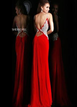 Вечернее платье sherri hill с камнями сваровски и открытой спиной