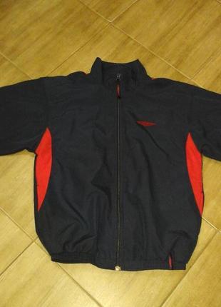 Куртка umbro спортивная для мальчика 9-11лет