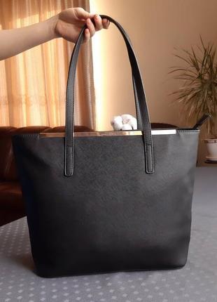 Красивая вместительная черная сумка фирмы david jones в новом сост