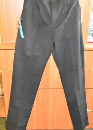Школьные брюки на мальчика f&f 10-12 лет, новые