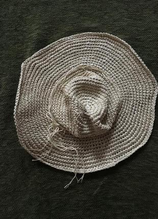 Плетеная шляпа, широкие, свободно падающие поля
