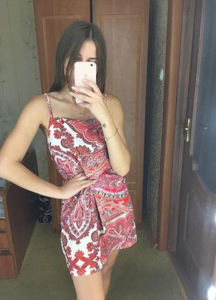 Шикарное платье boohoo
