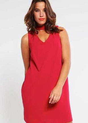 Красное платье в чокеровщик plus size