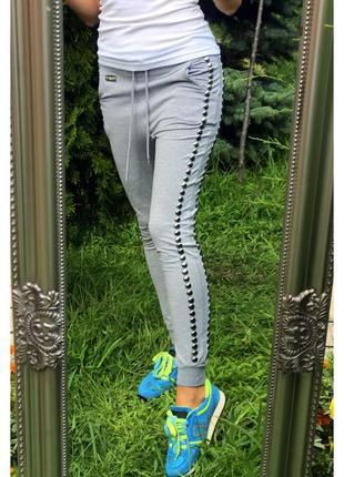 Прогулочные/спортивные штаны галифе с заклепками фирмы met