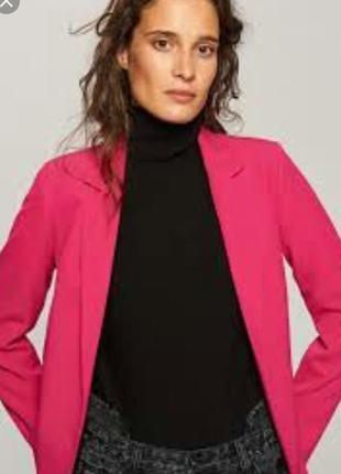 Розовый пиджак reserved