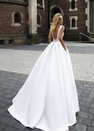 Дизайнерська весільна сукня від oksana mukha розмір 38