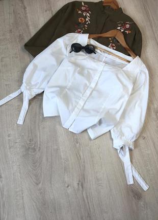Блуза із об'ємними рукавами