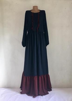 Шикарное длинное темно-синие платье италия