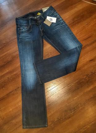 Плотные качественные джинсы