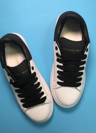 Новинка! женские кожаные кроссовки супер качества alexander mcqueen white black