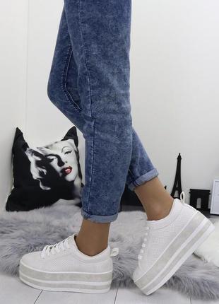 Новые шикарные женские серые кеды на платформе кроссовки