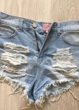 Рваные джинсовые шорты asos