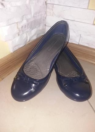 Балетки туфельки из натуральной лаковой кожи m&s