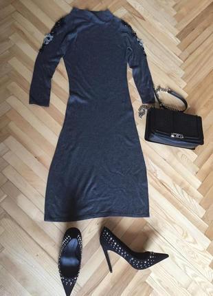 Платье по фигуре от monton