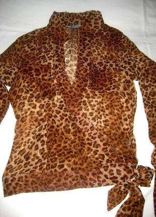 Шелковая блузочка на запах с накладными карманами guess,  леопардовый принт как нова