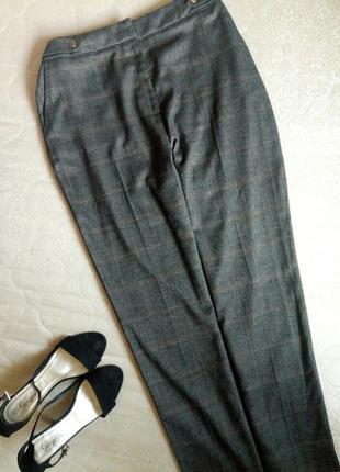 Стильные брюки в клетку