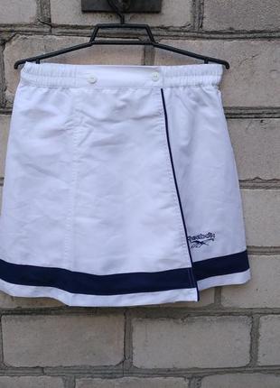 Стильная спортивная юбка на запах