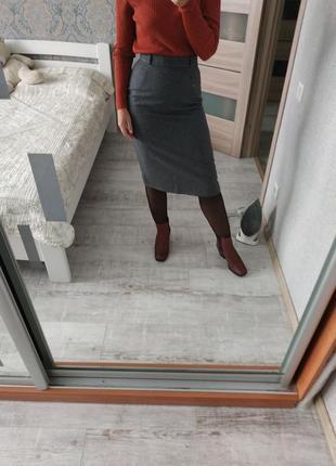 Шикарная шерстяная юбка миди длины
