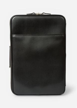 Солидный чемодан из натуральной кожи