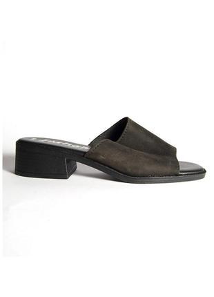 Черные мюли на низком каблуке, черные шлепанцы мюли