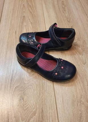 Туфли с мигалками clarks р.27,5