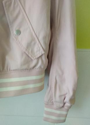 Куртка бомбер розовая пудра от h&m6 фото