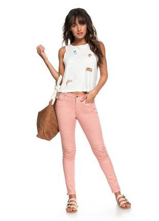 Стильные и очень крутые розовые джинсы на резинке