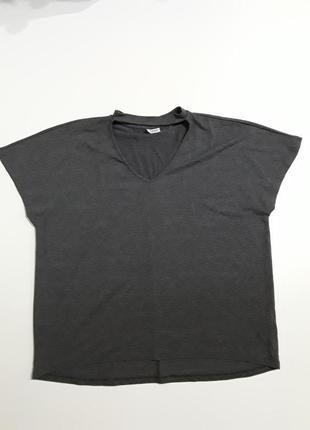 Фирменная футболка блуза