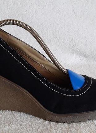Туфли на танкетке фирмы graceland