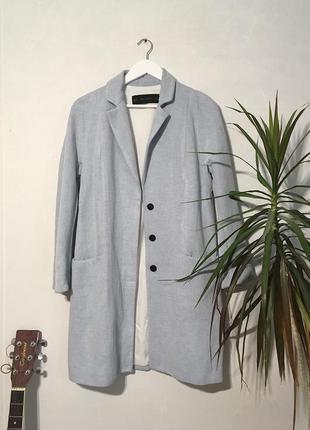 Прямое льняное пальто zara с контрастной фурнитурой