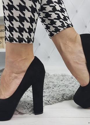 Новые шикарные женские черные туфли на высоком каблуке