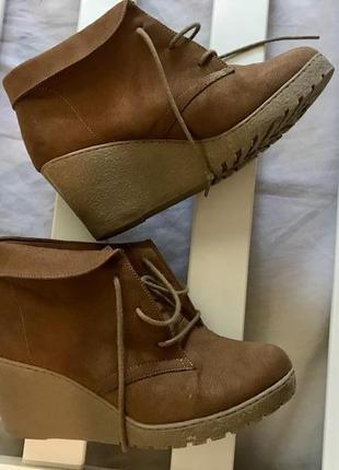 🍪лёгкие ботинки на танкетке 36рр