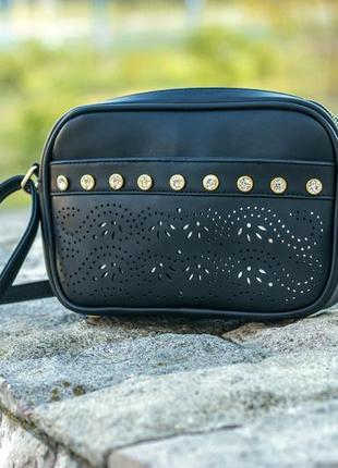 Стильная чёрная сумочка с камнями love dream