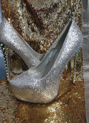 Золотые туфли стрипы двойки с шипами для гоу-гоу pj