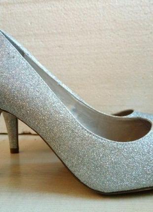Туфли лодочки блестящие