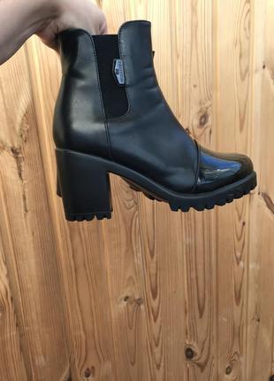 Ботинки деми, ботинки с лаковым носком