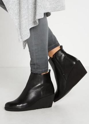 Ботинки ecco,натуральная мягенькая кожа,раз 40