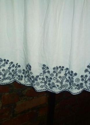 Блуза топ кофточка с нежной вышивкой